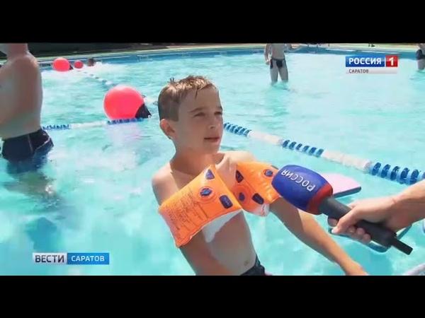 Детей в детских лагерях обучают безопасности на воде