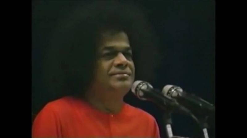 Sathya Sai Baba Singing - Hari Bhajan Bina Sukh Shanthi Nahin