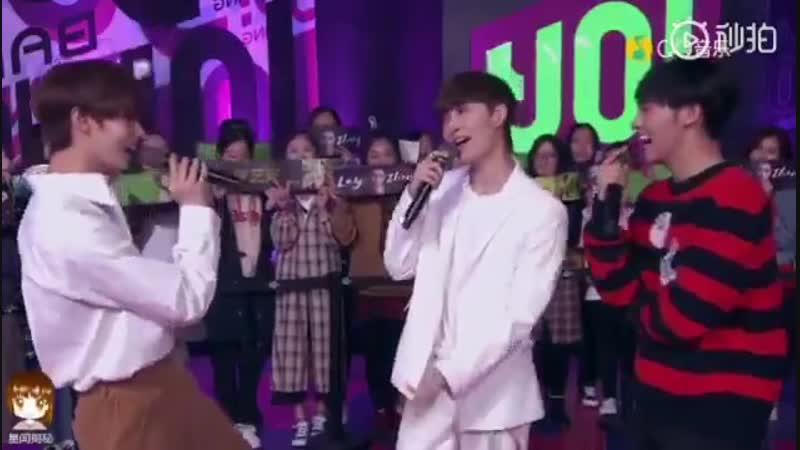 [VIDEO] 181021 Lay - NAMANANA @ Yo! Bang Music Show | Encore 1