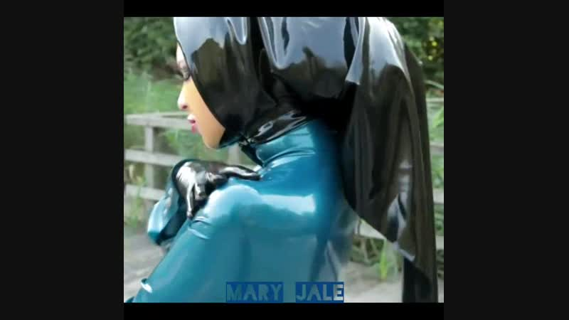Mary Jale • Latex Fashion