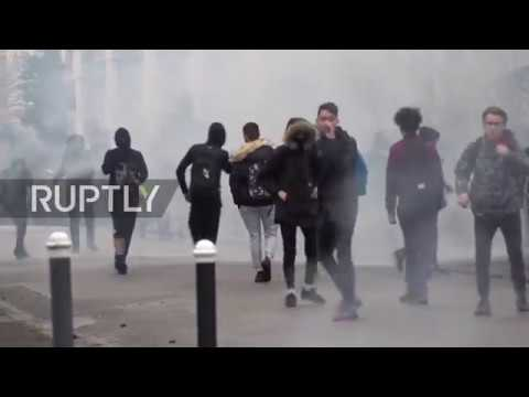 France: Students blockade more than 200 schools in anti-govt protests