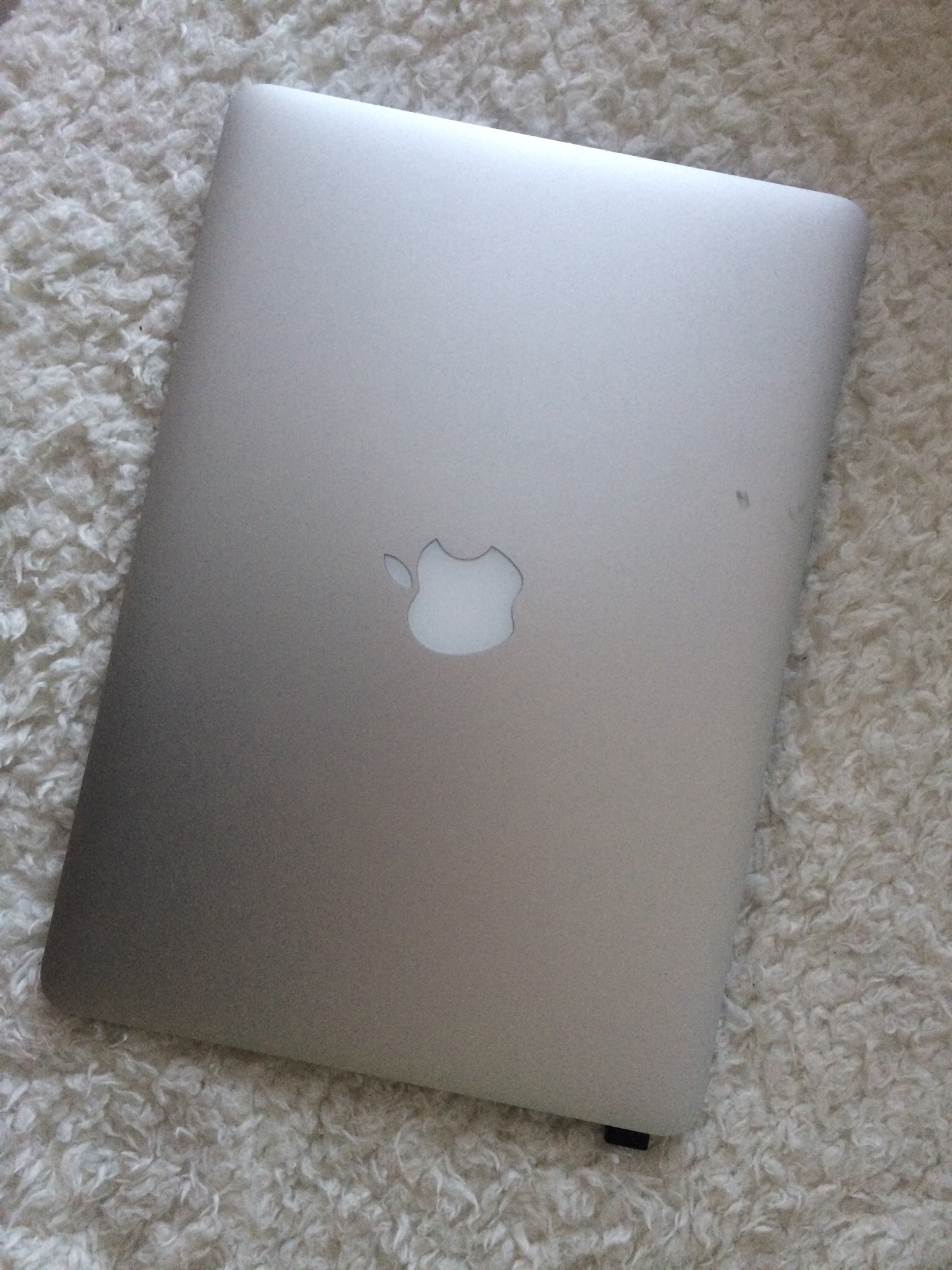 Продаю MacBook Pro 13″ (2015) 120 Гб