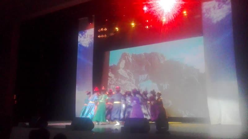 Театр песни и танца Амар сайн (2)