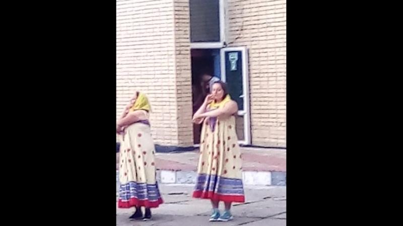 танец воспитателей