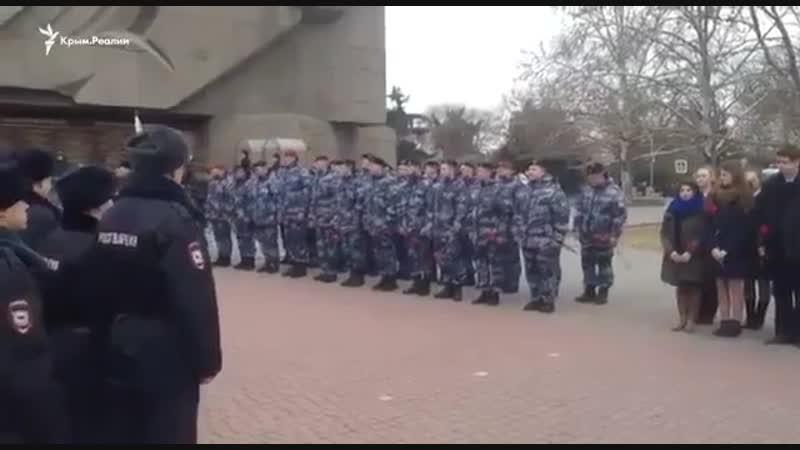 В Севастополе карателей Беркута, избивавших людей на Майдане, оккупанты поздравили с 5-летием возвращения из Киева и награди