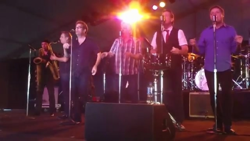 Huey Lewis and the News - Little Bitty Pretty One - Marin County Fair 2014