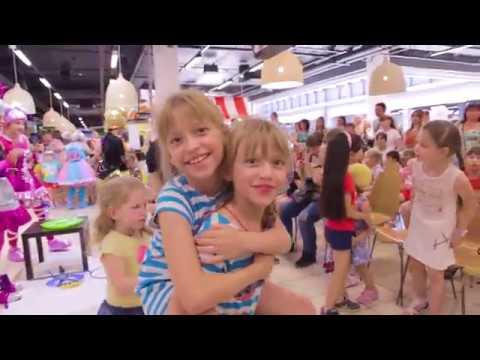 Море приятных впечатлений от Парада кукол LOL получили юные посетители ТЦ «Муравей»