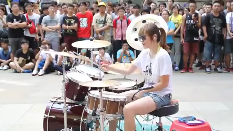 Amazing Girl Drummer Does BIGBANG Fantastic Baby Street Performance