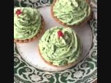 Красивая закуска в тарталетках (ингредиенты в описании видео)