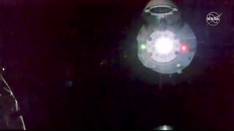 THRUSTERS_FIRING_GET_OUT_SpaceX_CrewDragon.mp4
