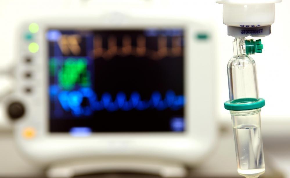 Ondansetron HCI может использоваться во внутривенном капельном растворе для предотвращения рвоты или лечения тошноты.