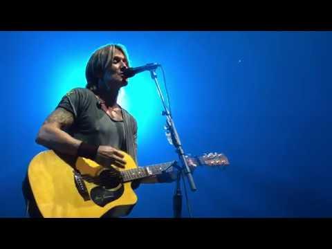 Keith Urban - Stupid Boy - Sept 12, 2018 - Moncton, NB