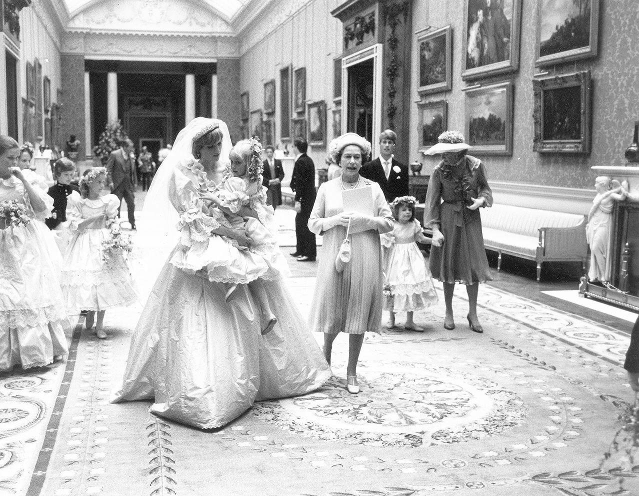 Принцесса и злая фея. Свадьба принцессы Дианы и принца Чарльза, Лондон, 1981 год.