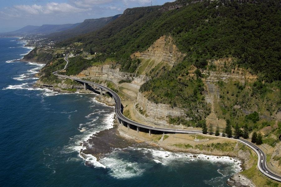 Sea Cliff Bridge - одна из красивейших эстакад в мире