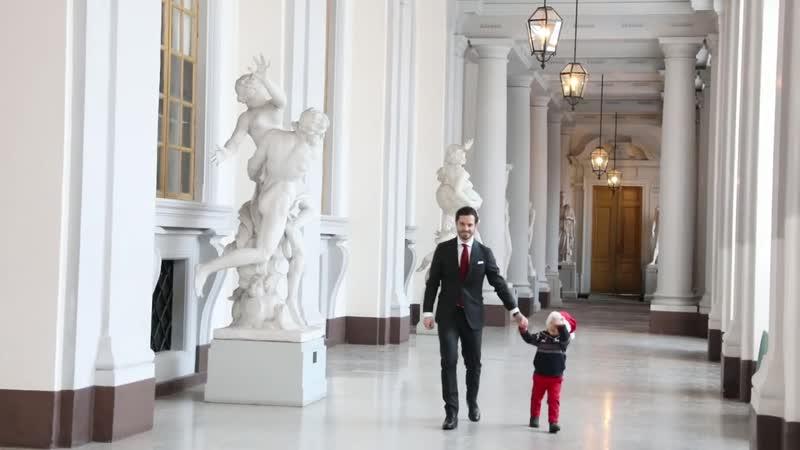 Принц Карл Филипп с Принцем Александром приняли елочек в Королевском дворце, 17 декабря 2018