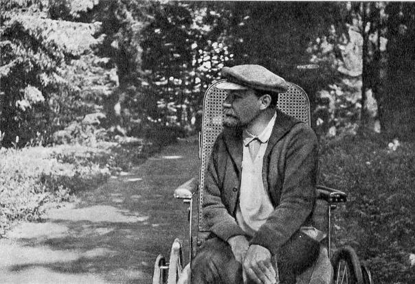 В. И. Ленин. Сегодня его день рождения  Далее 10 колоризированных и редких фото.