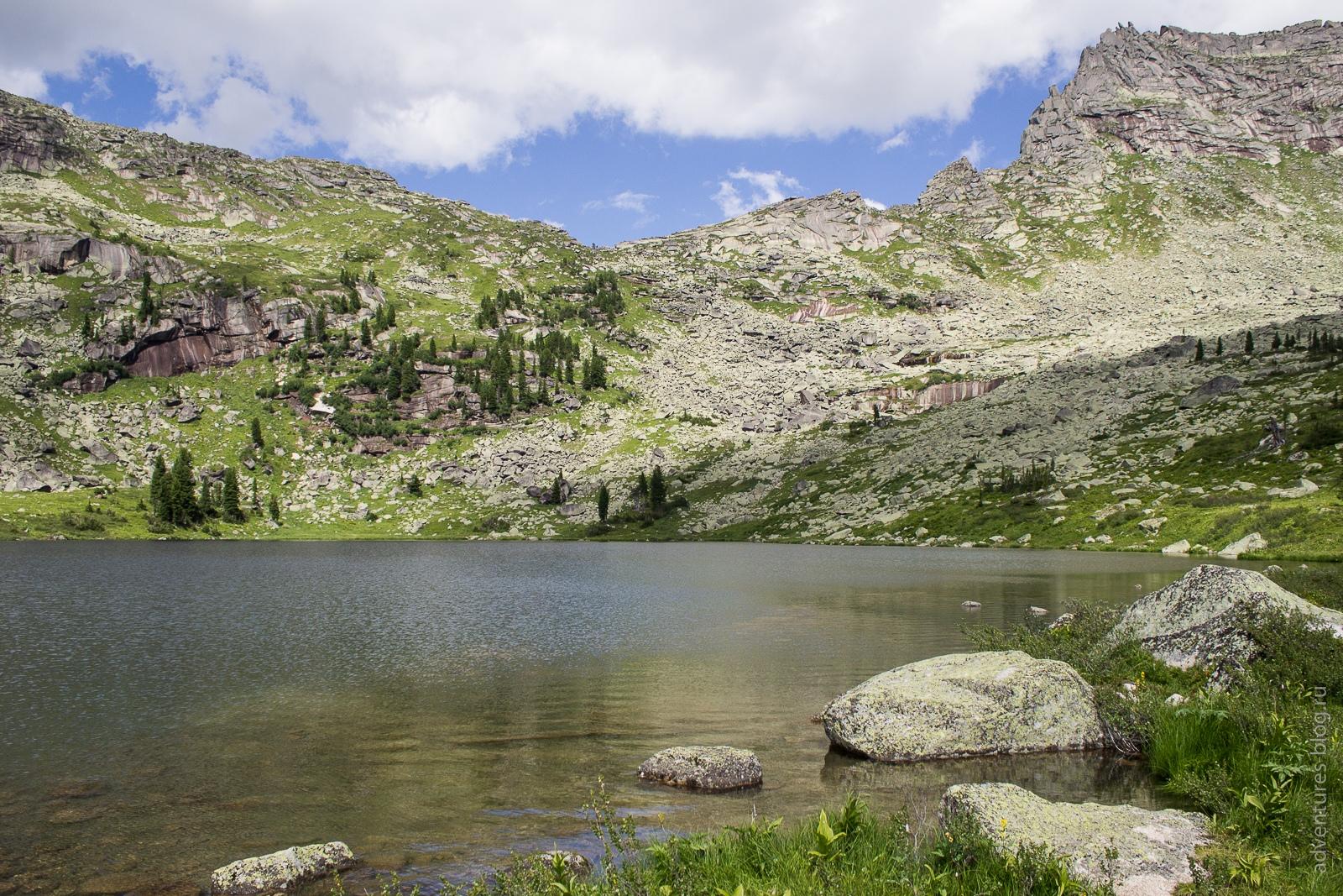 Озеро Мраморное и перевал Курсантов