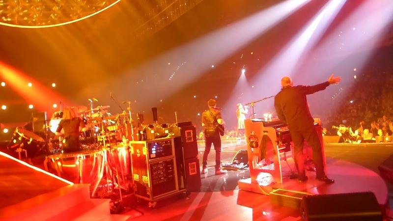 Queen Adam Lambert - Fat Bottomed girls - live On Stage - MGM Park Theater Las Vegas