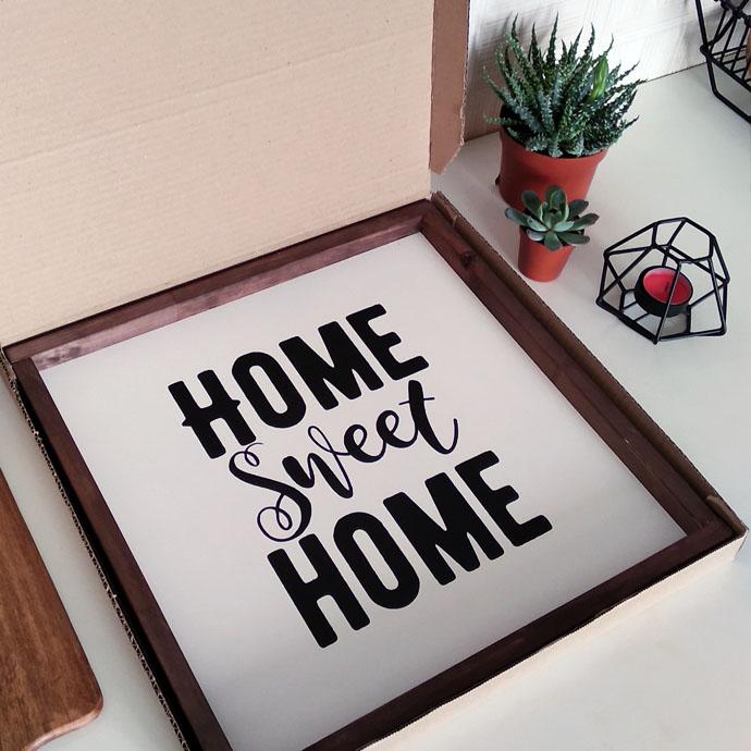 Декоративное панно в картонной коробке