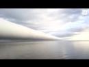 Облако в форме трубы нависло над побережьем в США