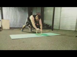 Ring pushups
