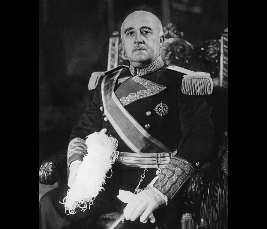 Власти Испании запретили перезахоронение останков диктатора Франко в склепе собора Альмудена