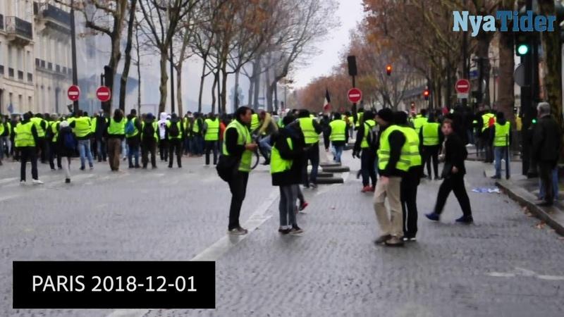 Gula västarna demonstrerar i Paris