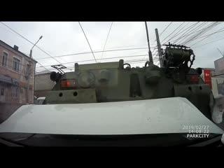 ДТП в Курске. БТР раздавил 4 машины. Видеорегистратор. Полная версия 27.02.2019
