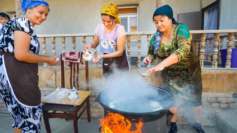 TRADITIONAL FOOD IN UZBEKISTAN - Unforgettable Family Meal in Khiva!