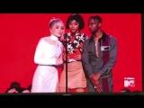 Сабрина, Амандла Стенберг и Элджи Смит объявили победителя на премии «MTV Video Music Awards».