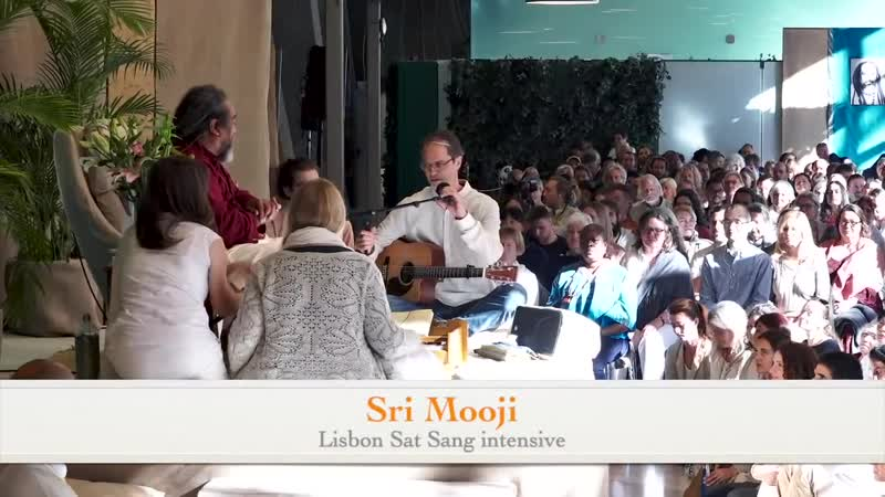 Мантра Gayatri Mantra (Radical Devotion with Sri Mooji Live)