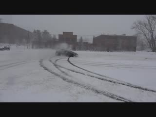Huracan performante drifting in snow storm - snowboarding behind the lambo! huracan performante drifting in snow storm - snowboa