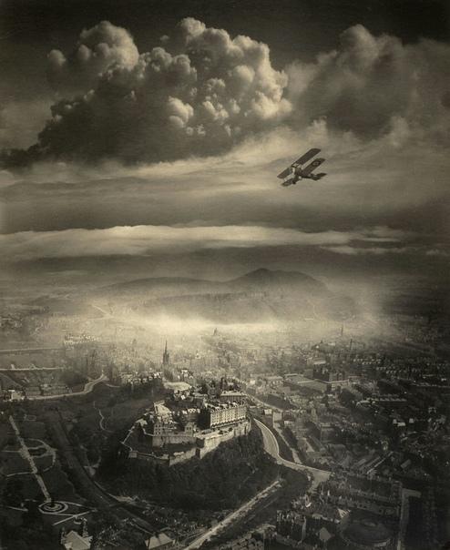 Вид на Эдинбург с высоты птичьего полета, Шотландия, 1920 год.