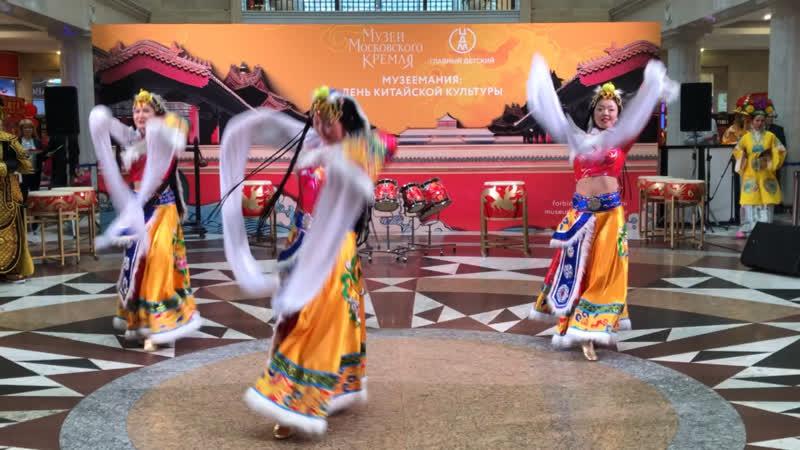 Тибетский танец Навстречу Солнцу