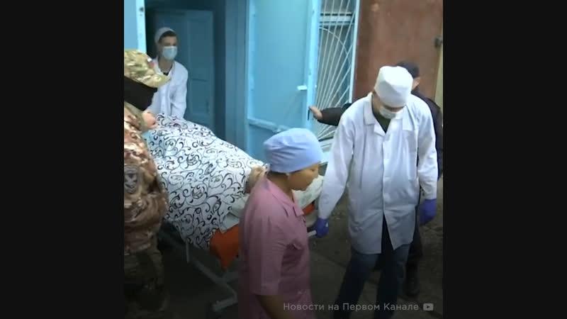 Медики борются за жизни пострадавших в Керчи