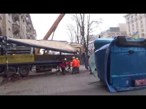 Жесть!Разнесло грузовик в хлам .Оторвало кабину на Рено Магнум.Водитель вроде жив
