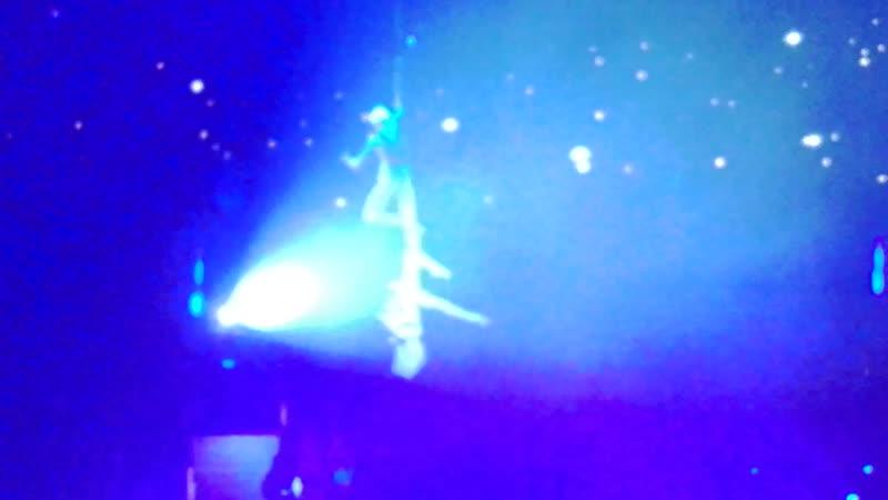 Воздушные акробаты в цирковом представлении Песчаная сказка, 09.02.19