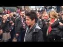 Chemnitz Eine aufrechte Bürgerin geigt Dunja Hayali die Meinung 01 09 2018