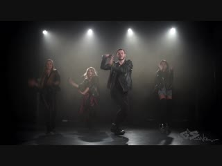 Gs dance//vogue//serge ebony