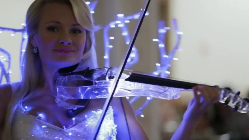 Это потрясающе! Очень красивое исполнение! Шикарная скрипачка