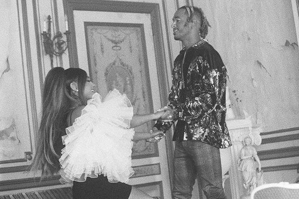 Ариана Гранде встречается с музыкантом Майки Фостером