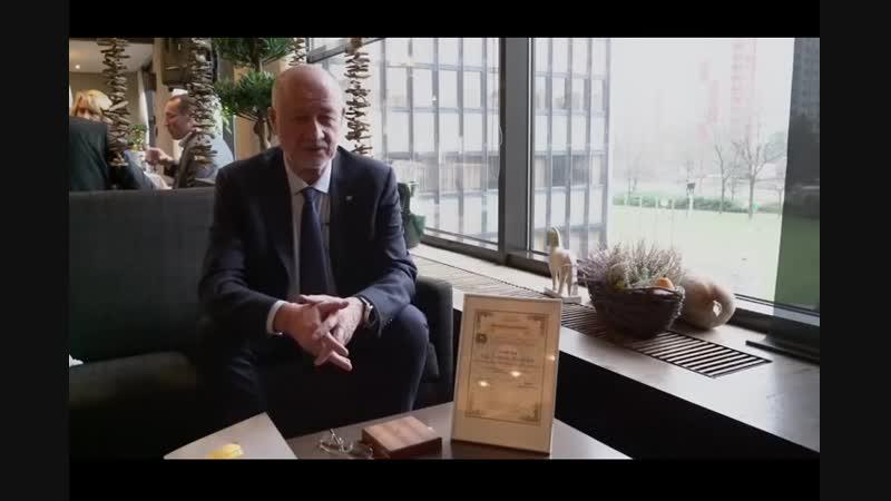 Интервью Анатолия Юницкого после церемонии вручения словацкой Международной Премии мира-BBBaZV1LZV0_x264