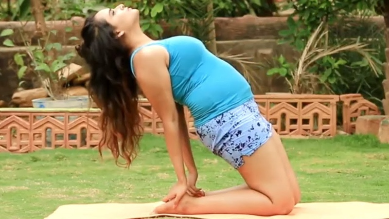 9 Yoga Poses for Flat Stomach - Simple Weight Loss Yoga Poses for Beginners | Power Yoga