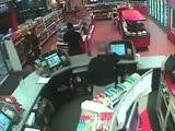 Тупая пьяная девушка писает в магазине - YouTube (360p)