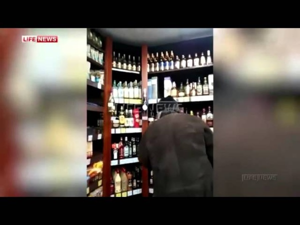 В Среднеуральске священники устроили потасовку в алкомаркете