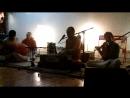 Поёт Враджарам, Играет на караталах Гауранги, Вайкунтха Натх на флейте.mp4