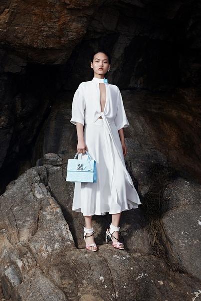 Платья-«неводы», модные версии гидрокостюмов и шлемы для плавания в круизной коллекции Off-White