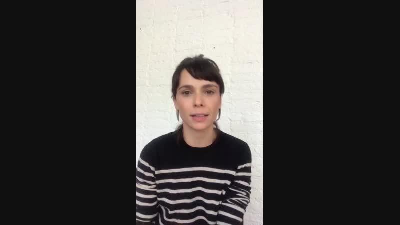 Дебора приглашает на панель сериала Араваны на Комик-Коне в Сан-Паулу, 07.12.18