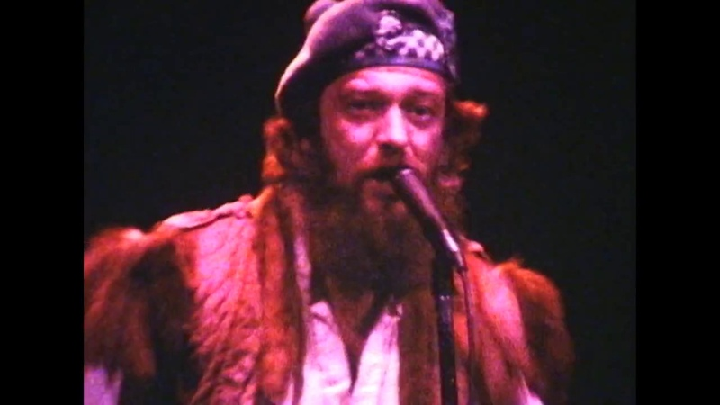 Jethro Tull Live US Tour October 1982 1 Something's On The Move, Hunting Girl