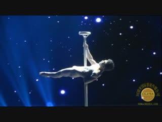 Новогоднее Настроение в Китайском Стиле! Классическая акробатика «Космическая прогулка». Исполняет: Кэжуй Я.